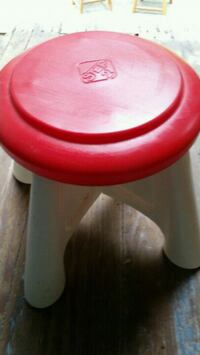 Step 2 Childs Stool Chair Hard Plastic Picnic Desk