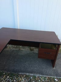 L-shaped office table (price reduced) Windermere, 34786