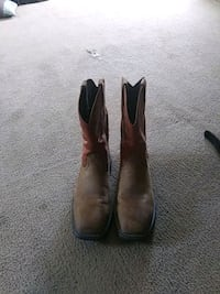 pair of brown leather cowboy boots Odessa, 79764