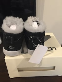 Brand new with tags Baby's Ugg boots size 4/5 Stanwood, 98292