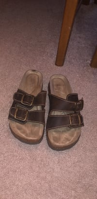 pair of brown leather sandals North Myrtle Beach, 29582
