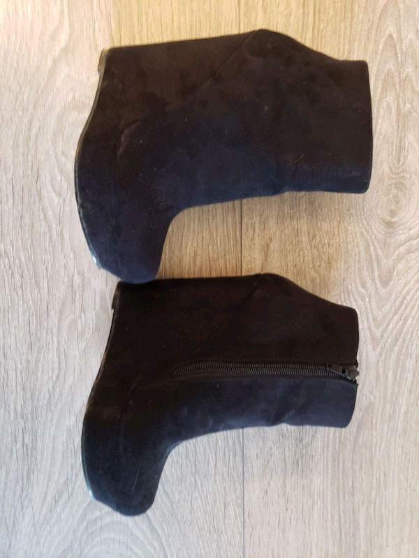 Ladies suede booties size 36 83989eaa-d21d-49af-a147-cb6247f40047