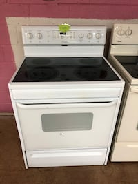 Frigidaire white electric stove  Woodbridge, 22191
