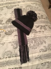 crochet purple and black bobble cap and scarf