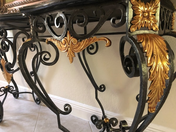 Wrought Iron and Marble Table a15cdad4-883e-415e-9561-6c832a001cd9