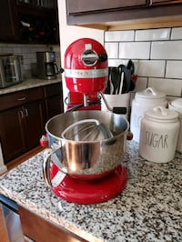 KitchenAid stand mixer only used hand full of times Jefferson, 21755
