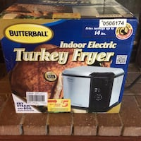 Brand new butterball indoor electric turkey fryer Price reduced Palmdale, 93551