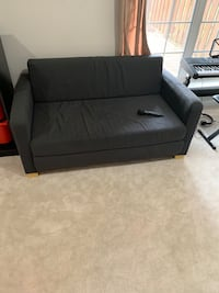 Couch/pull out bed Woodbridge, 22192