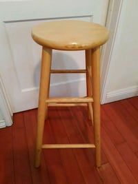Perfect wooden stool!  Santa Monica, 90404