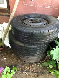 """3 15"""" 5x114.3 rims and tires only 50$ Hamilton, L9C 2V3"""