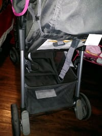 baby's black and gray stroller Mesa, 85208
