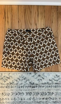 Patterned women's shorts