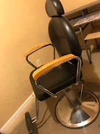 black and gray salon chair Fresno