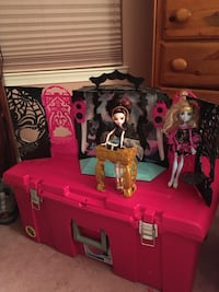 Monster High DJ booth with two dolls Bowie, 20720
