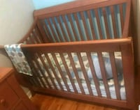 baby's brown wooden crib Montréal, H1H 4T2