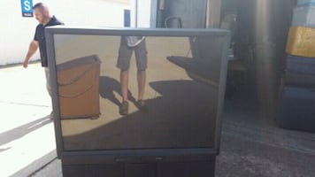 """HITACHI 58"""" PROJECTION TV..MUST SELL..!!"""