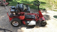 red and black riding mower West Des Moines, 50265