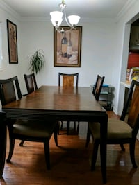 Ashley Furniture table with 5 chairs + leaf insert Toronto, M9C 5E8
