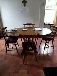 oval brown wooden dining table with chairs set Minto, N0G 1Z0