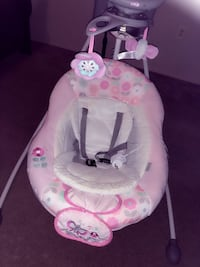 baby's white and pink cradle n swing Falls Church, 22041