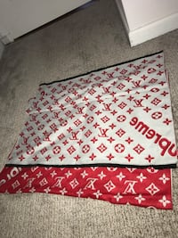 Brand new wool and cashmere LV limited edition Supreme full size body scarf King, L7B 1J2