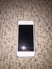 Blue iPod Touch 6th Gen 32 Gb Edmonton, T5Z 3G2