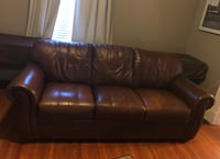 3 cushion leather couch Lockland, 45215
