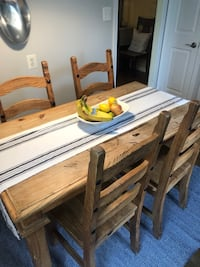 Pine kitchen table and 4 chairs in great condition  Potomac, 20854