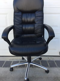 Black leather high back desk chair Hyattsville, 20781