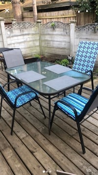 Patio Set - $110 if picked up by 26 Jan! Burnaby, V5H