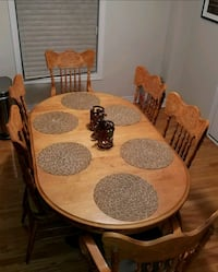 Solid Wood Oval Dining set w Vintage styled chairs