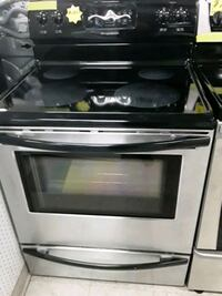 Frigidaire glass top stove stainless steel Stove in good condition