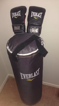 Black Everlast heavy bag Gaithersburg