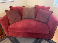 Loveseat Potomac, 20854