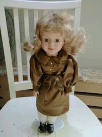 Vintage porcelain doll from the princess collectio Markham, L3T 2E7