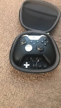 black Xbox One game controller Westerville, 43081