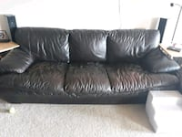 2 couches  and  1 ottoman for 45 dollars  Gaithersburg, 20886