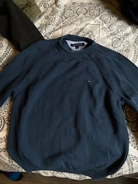Tommy hilfiger small crewneck