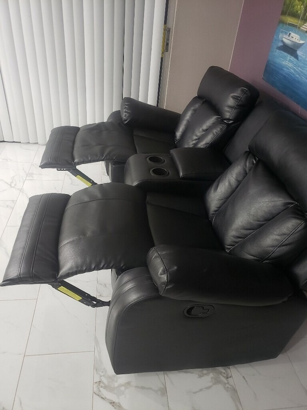 Brand New Leather 2 seater Recliner 6642c2bd-8233-4df7-99c0-5b9a99505040