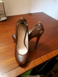 pair of women's guess leather stilettos Niagara Falls, L2G 1V9