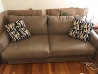 Nearly new Bobs full sized couch with queen pullout 406 mi