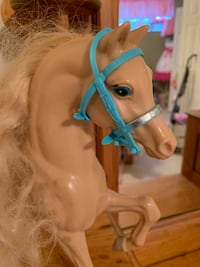 Barbie pet horse