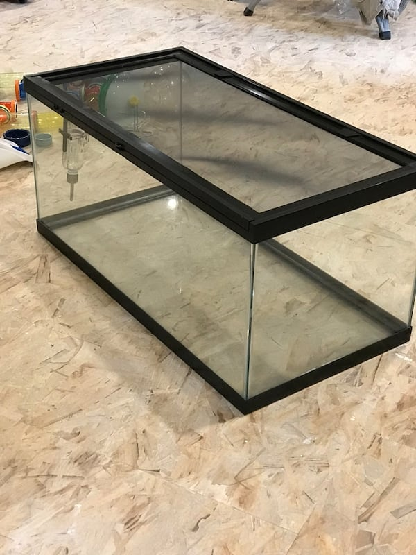 Critter Cage Aquarium - 40 Gallon with extra items. fce6494c-e850-474e-a4ef-94c94a332b44