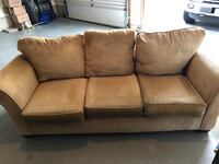 Couch Ashburn, 20147