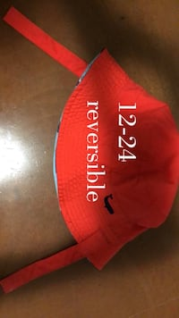Reversible hat Kitchener, N2P 1P1