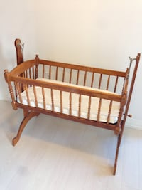 Wooden Rocking Crib with mattress Toronto, M3H 2S9
