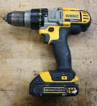 "Dewalt DCD985 20v Max li ion cordless 1/2 "" drill and battery DCB207  Baltimore, 21205"
