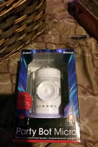 Bluetooth speaker party robot with disco lights  Garden Grove, 92841