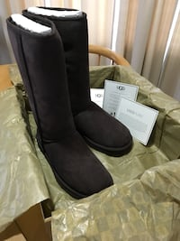 New! Never Worn! Authentic Woman's Ugg Boots Meridian, 83646
