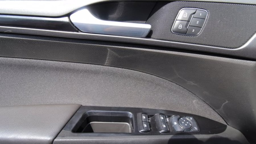 2014 Ford Fusion SE / BACK UP CAM / HEATED SEATS / NAVIGATION fdeca315-2b1a-4f0a-aff9-90a92a326bd9